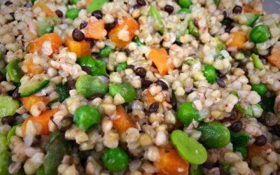 La primavera nel piatto: grano saraceno con verdure, gamberetti e citronette speziata